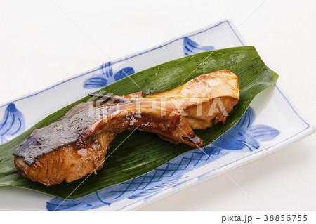 ブリカマの照り焼き 魚料理 38856755