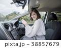 女性 若い 車の写真 38857679