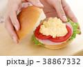 サンドイッチ タマゴサンド 挟むの写真 38867332