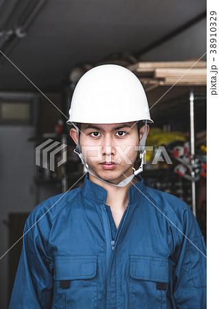 下町工場 若い技術者 38910329