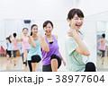 エアロビクス フィットネス エアロビ スポーツジム 女性 エクササイズ 38977604