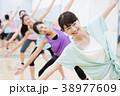 エアロビクス フィットネス エアロビ スポーツジム 女性 エクササイズ 38977609
