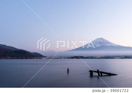 [山梨県] 富士山 河口湖 夕焼け マジックアワー 39001722