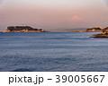 朝の江の島と富士山 39005667