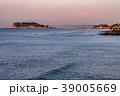 朝の江の島と富士山 39005669