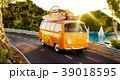車 自動車 旅のイラスト 39018595