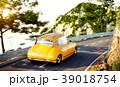車 自動車 道路のイラスト 39018754