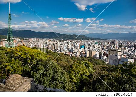 愛媛県 松山城本丸からの松山市内眺望 39024614