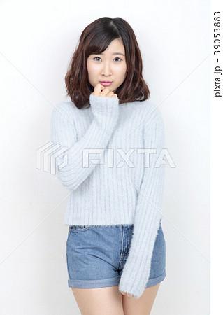 若い女性 ポートレート 39053883