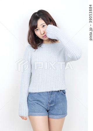 若い女性 ポートレート 39053884
