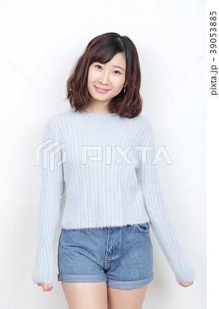 若い女性 ポートレート 39053885
