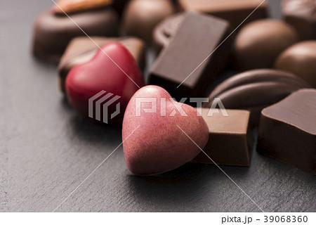 ハート型のチョコレート 39068360