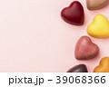 ハート型のチョコレート 39068366