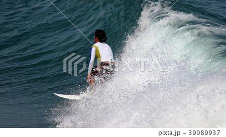 サーファー サーフィン 練習 39089937
