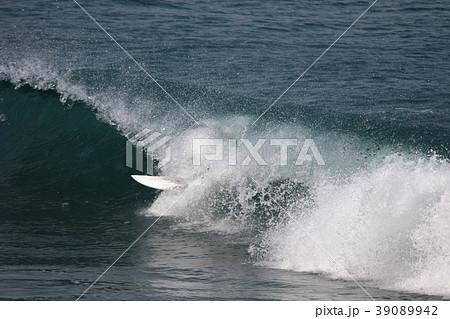 サーファー サーフィン 練習 39089942