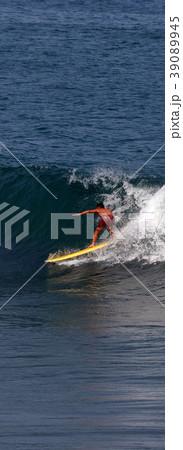サーファー サーフィン 練習 39089945