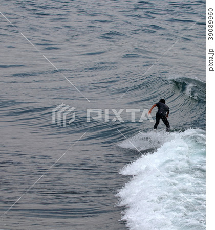 サーファー サーフィン 練習 39089960
