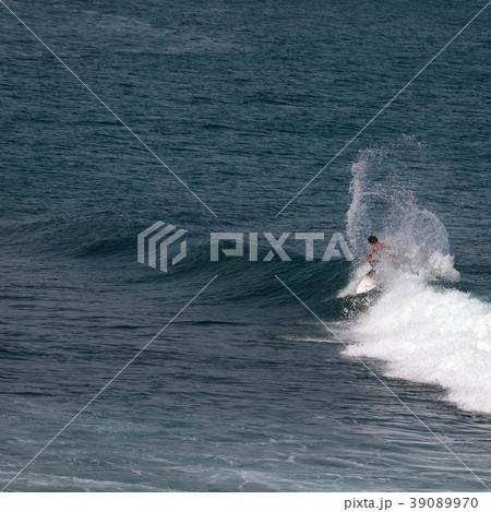 サーファー サーフィン 練習 39089970