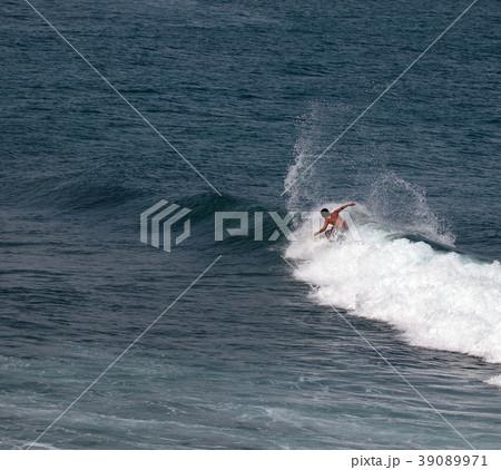 サーファー サーフィン 練習 39089971