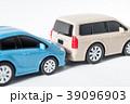 車2台追突 39096903
