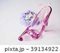 ガラスの靴とコサージュ 39134922