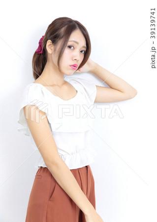 若い女性 ファッション ポートレート 39139741