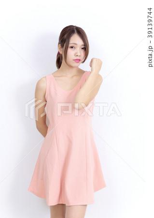 若い女性 ファッション ポートレート 39139744