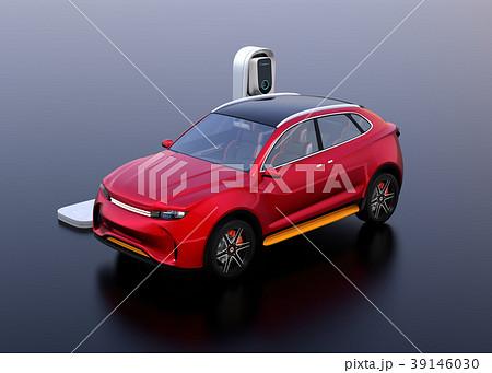 急速充電ステーションに充電している電動SUVのイメージ 39146030