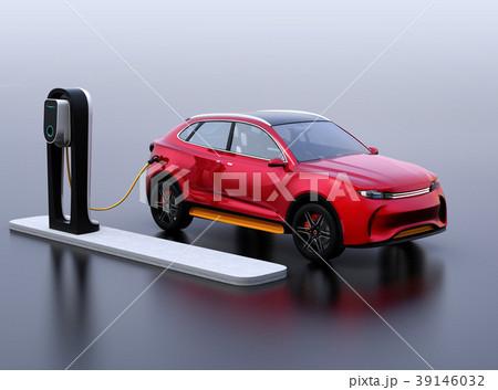 急速充電ステーションに充電している電動SUVのイメージ 39146032