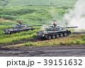 砲撃演習をしている陸上自衛隊の74式戦車 39151632