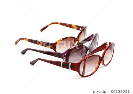 サングラス 夏イメージ メガネ メガネイメージ 夏 眩しい おしゃれ ファッション グラス  39152031