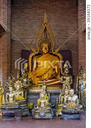 タイ・アユタヤ遺跡の仏像 39168372