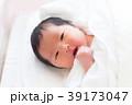 赤ちゃん 女性 ベビーの写真 39173047