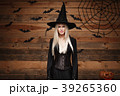 ハロウィン 魔女 女性の写真 39265360