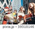 東京を観光する外国人観光客 39310146