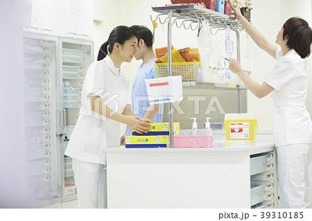 医療 ナースステーション 準備 看護師 39310185