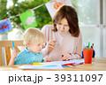 子供 ペイント 塗るの写真 39311097