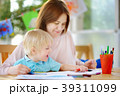 子供 ペイント 塗るの写真 39311099