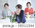 ポートレート 女性 キッチンの写真 39311344