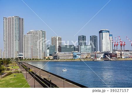 東京ベイエリア 豊洲の湾岸都市風景 39327157