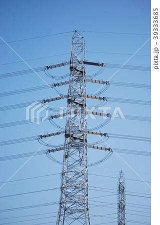 青空に伸びる鉄塔 39333685