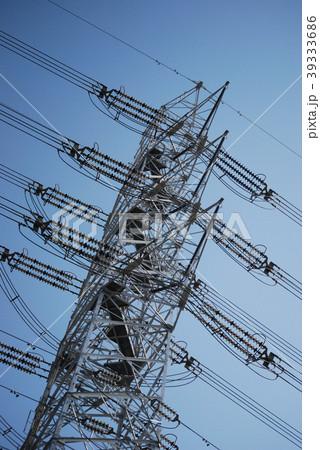 青空に伸びる鉄塔2 39333686