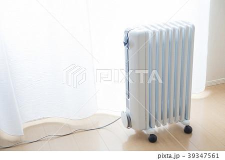部屋の空気を汚さず騒音も無くメンテナンスが容易で移動が出来るオイルヒーター 39347561