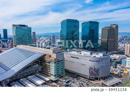 大阪駅とグランフロント大阪 39451158