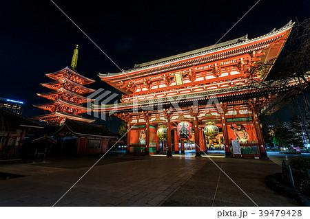 浅草浅草寺 夜の宝蔵門 39479428