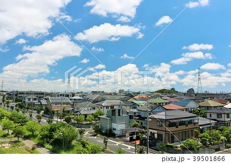 爽やかな青空の街並み 39501866