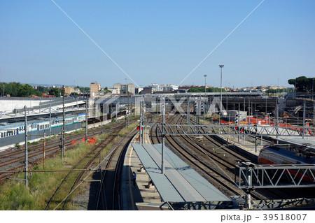 イタリア 駅 電車 Italy station train 39518007