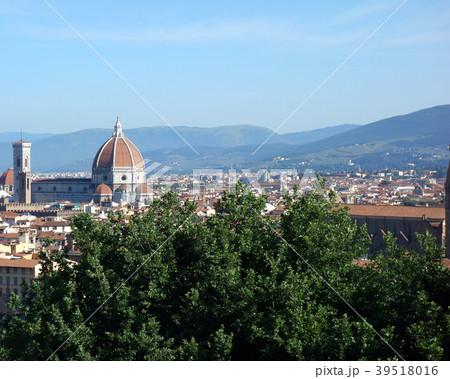 イタリア フィレンツェ サンタ・マリア・デル・フィオーレ大聖堂 遠景 Itary Florence 39518016