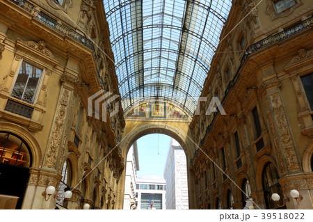 イタリア ミラノ ヴィットーリオ・エマヌエーレ2世のガッレリア Italy Milan 39518022