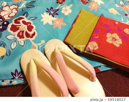 日本 着物と帯と草履 和服 女性用 Japanese kimono, belt and sandal 39518027
